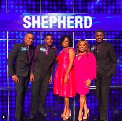 Celebrity Family Feud: Steph Curry, Ayesha Curry, Emmitt Smith & More