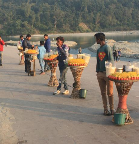 DAILY PHOTO: Chaat Vendors of Triveni Ghat