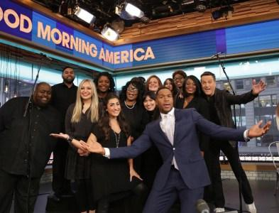 Michael W. Smith Performs 'Surrounded: Fight My Battles' On GMA