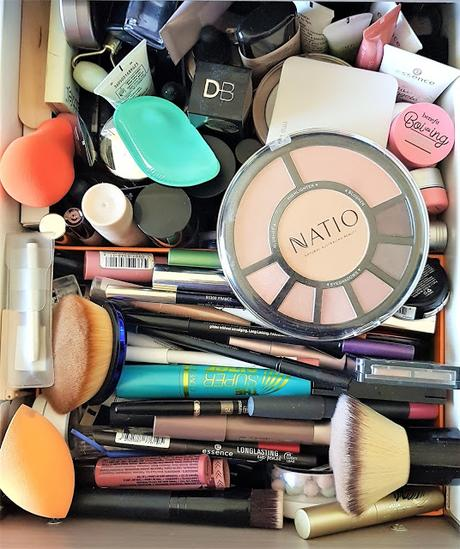 Random thoughts on make-up clutter