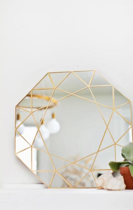 Cool DIY ideas for your home. Stylish gem mirror by A Beautiful Mess.