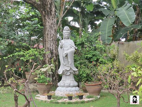 Lon Wa Buddhist Temple Davao | Blushing Geek