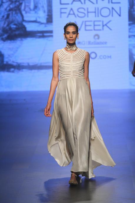 Tarun Tahiliani collection at LFW 2018