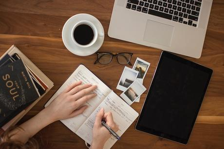 How to Approach Website Content Writing as a Beginner