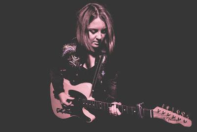 Gig review: Witten (DE). March 28th. A cozy evening with Charlotte Carpenter and chocolate shakes