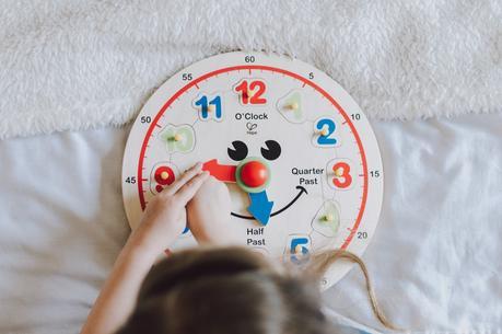 Review | Hape Happy Hour Clock