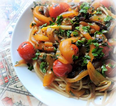 Spaghetti with Peppers, Olives & Tomatoes