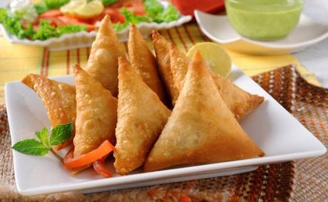 5 Mouth-Watering, Scrumptious Indian Snacks Perfect To Munch On Tea Time!