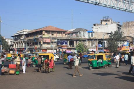 DAILY PHOTO: Electricity House & Other Ahmedabad Street Scenes