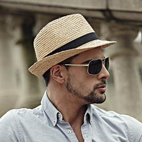 How to Clean The Summer Straw Hats Without Ruining Their