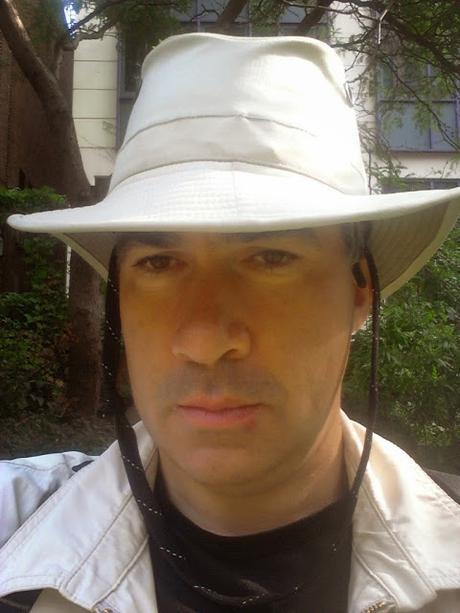 #WarmestDayOfTheYear – It's Sun Hat Time! Here's LW's Simon & His Tilley @TilleyEndurable