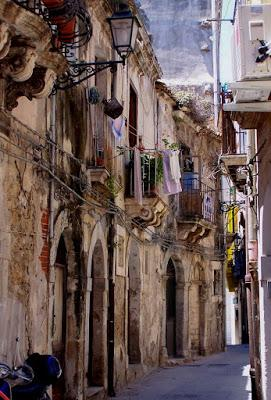 Sicily 9:  Ragusa & Syracuse (Siracusa)  [Sky Watch Friday]