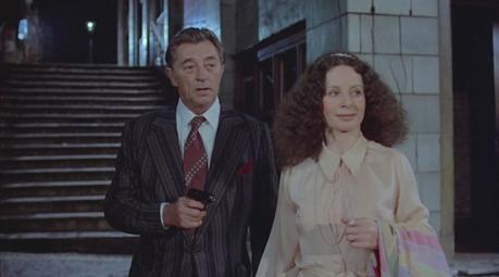 Mitchum as Marlowe: Striped Jacket in The Big Sleep