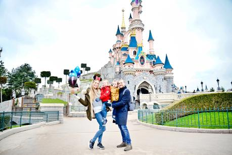 family travel vloggers uk, first time at disneyland paris, disneyland paris travel blog, disneyland, disneyland paris highlights, disneyland paris must do, vegetarians at disneyland paris,  family travel blogs uk