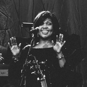 CeCe Winans #FBF 48th Annual Dove Awards Performance