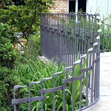 metal garden fencing metal garden fencing images