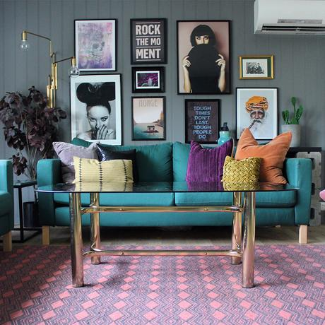 House Tour: House Tour: Colourful apartment- eclectic living room with vibrant accessories