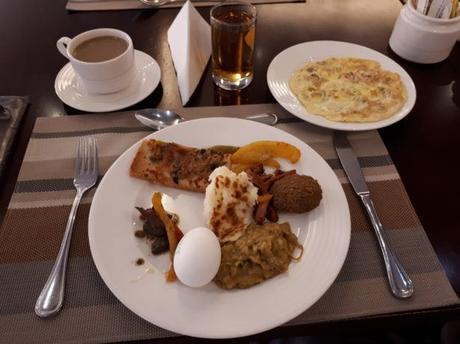 Backpacking in Saudi Arabia: Staying at the Hotel Mercure in Al Hamra, Jeddah