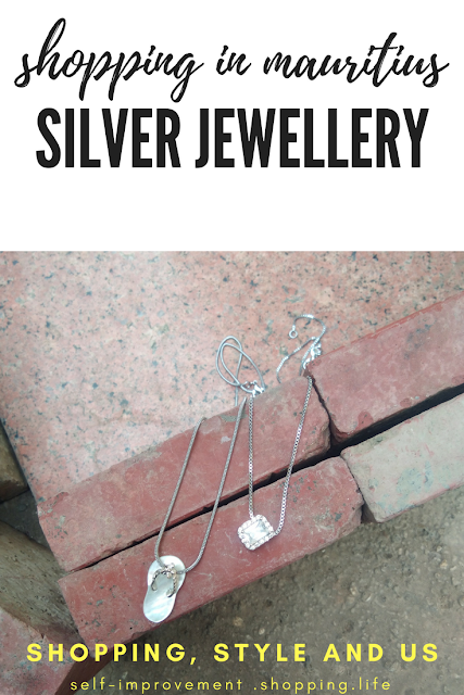 The central market also houses some good shops which sell some nice silver and silver electroplated jewelry.