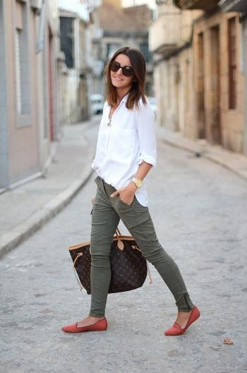 White shirt with skinny trousers