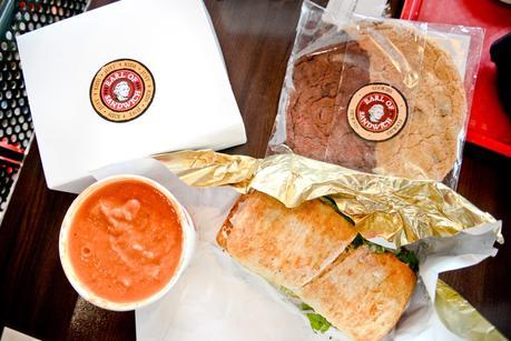 earl of sandwich disneyland paris, where to eat as a vegetarian disneyland paris, vegetarian in disneyland paris,