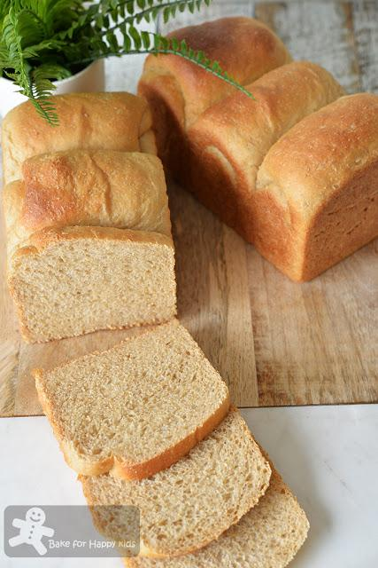 100% wholemeal soft sandwich bread
