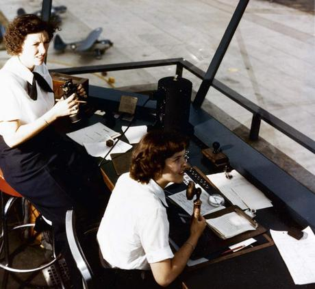 WAVES--Dorothy-Knee-and-Genevieve-Close--air-traffic-controllers