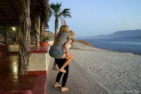 Siobhan and Mairen clowning around - Bahia de los Muertos