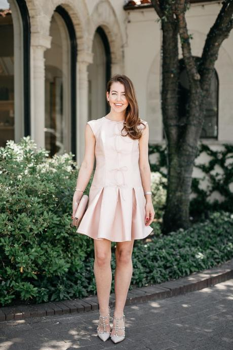 Amy Havins wears the Alice Dress from the Gal Meets Glam Collection.