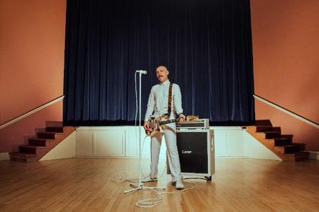 Jamie Lenman featuring Justine Jones (Employed to Serve) – 'Long Gone'