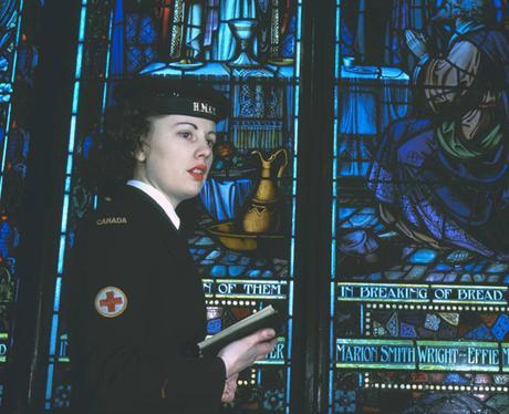1940s-WW2-Women-of-Canada--WRCN-chorister-1945