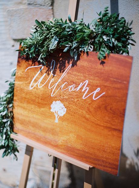 chic stylish soft tones wedding decoration ideas-12