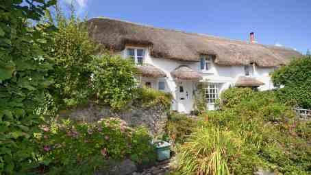 3 Romantic Cottages That Will Make You Feel Special