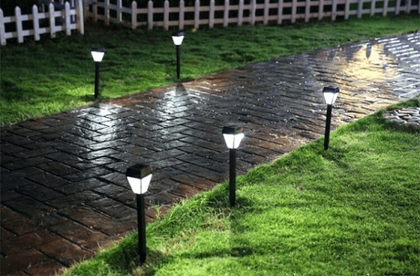 Use Outdoor Solar Lights To Save Energy