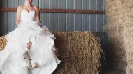 6 Reasons To Rent Your Wedding Dress