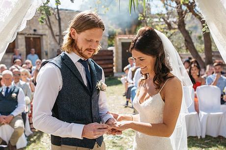 rustic-romantic-cyprus-wedding-_23
