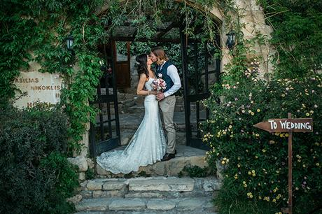rustic-romantic-cyprus-wedding-_32