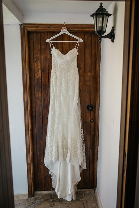 rustic-romantic-cyprus-wedding-_08
