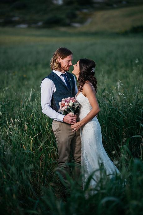 rustic-romantic-cyprus-wedding-_05