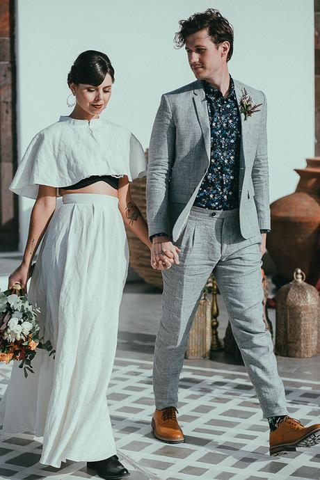 modern-romantic-elopement-santorini-_15