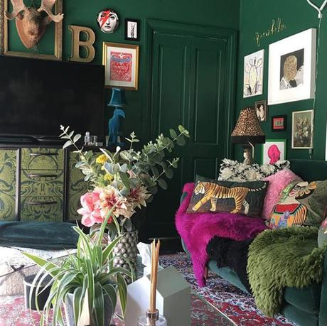 @sherylonthespectrum top 13 #livefabulousandfearless Instagram homes. Quirky green living room with colourful accents.