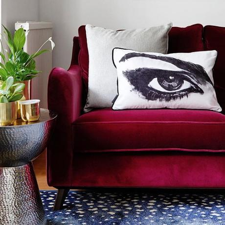 @bornandbredstudio top 13 #livefabulousandfearless Instagram homes- red velvet sofa
