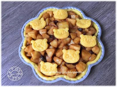 Apple Raisins Tart