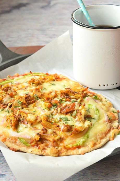 Naan Pizza Recipe (Garlic Naan Grilled Chicken Pizza)