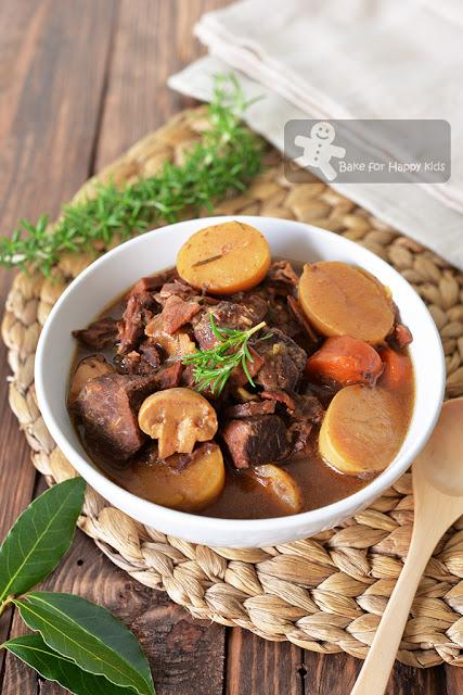 barefoot contessa parker's red wine beef stew bacon