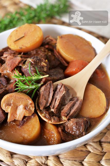 Extra Flavoursome Red Wine Beef Stew with Bacon