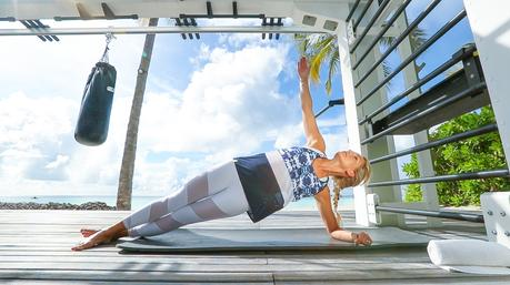 Fitness On Toast Faya Blog Girl Healthy Workout Training Maldives Working Out Ab Routine Beach Easy Moves Rock Hard Stomach Abdominals-2