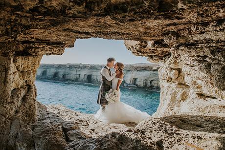 dreamy-wedding-overlooking-ocean_30