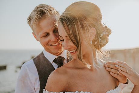 dreamy-wedding-overlooking-ocean_01