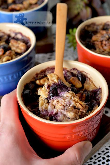 healthy baked oatmeal banana blueberry walnut